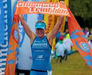 Chiemsee Triathlon - Daniela Sämmler Ziel [Foto Marathon Photos]