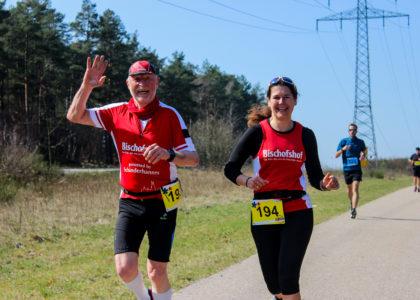 Frühlingsgefühle beim Finale der Oberpfälzer Winterlauf Challenge: Jürgen Mauritz und Julia Steimer siegen über 21 Kilometer